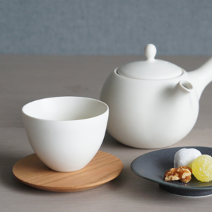 Miyama: Craftsman-made tea cup White